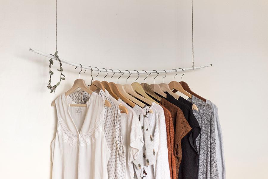 Conseils pour aménager votre dressing
